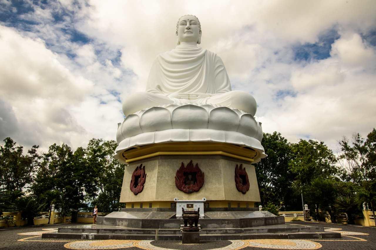 L'imponente Budda di Nha Trang