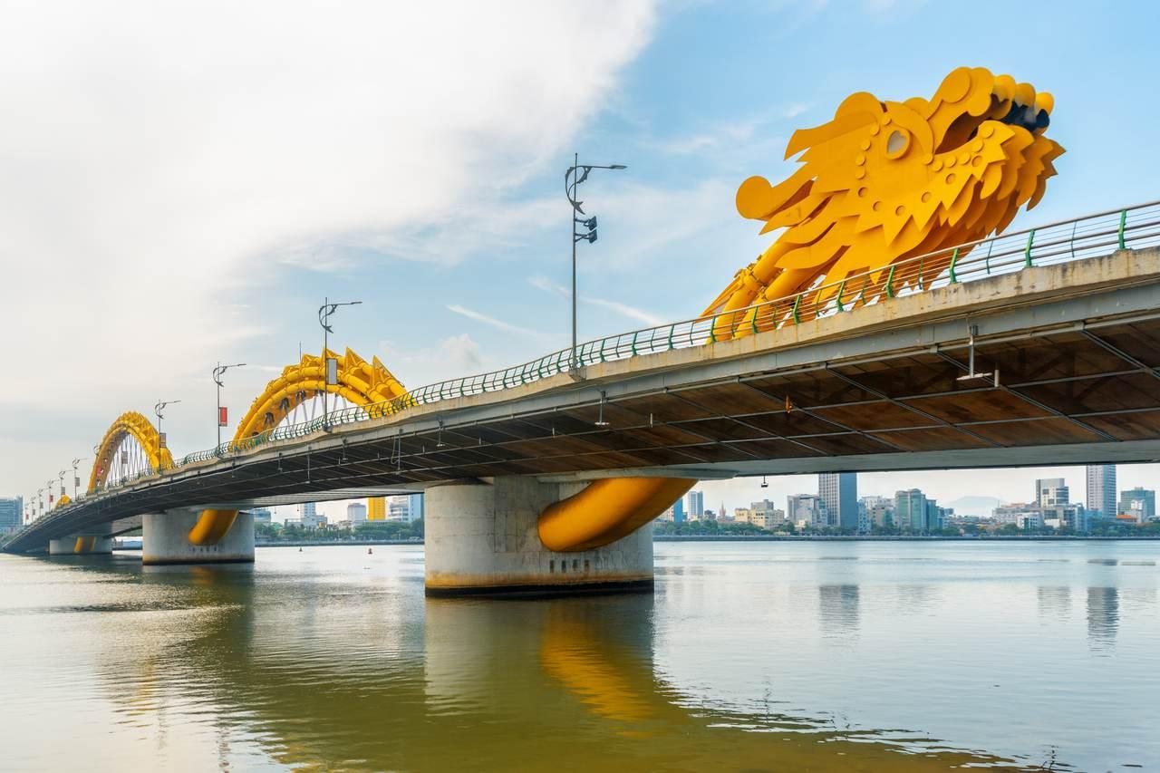 Non ti perdere il ponte del dragone di Da Nang al centro del Vietnam