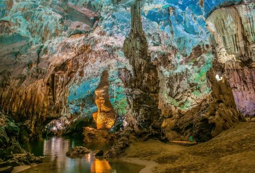 Vista della grotta di Son Doong una destinazione non perdere nel centro del Vietnam