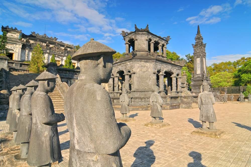 Le imponenti tombe imperiale di Hue