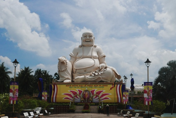 Visita i tempi buddisti nel delta del mekong