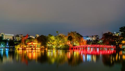 Vista notturna di Hanoi