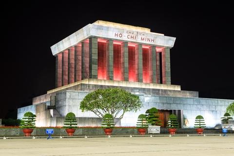 Mausoleo di Ho Chi Minh al tramonto